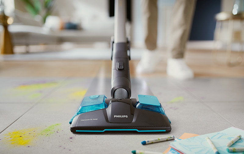 Attach the Aqua nozzle and you can vacuum and mop at the same time. (Image: Philips.)