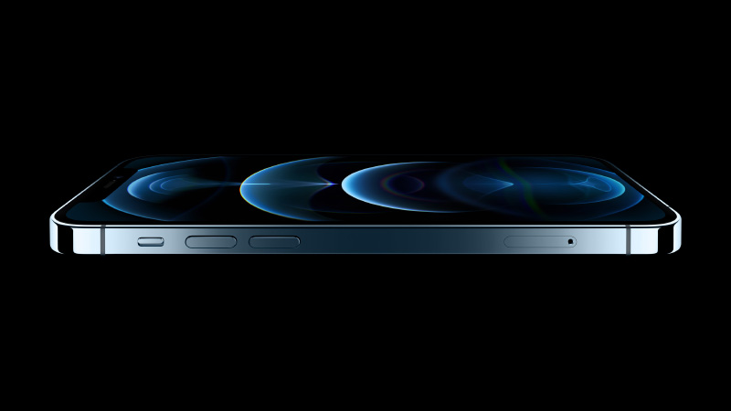Pacific Blue is an all-new colour. The front glass is Apple's new Ceramic Shield glass developed with Corning. (Image source: Apple)