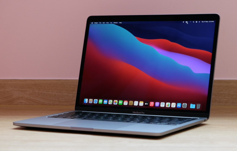 The new 13-inch MacBook Pro with M1 processor looks just like the last-generation 13-inch MacBook Pro.