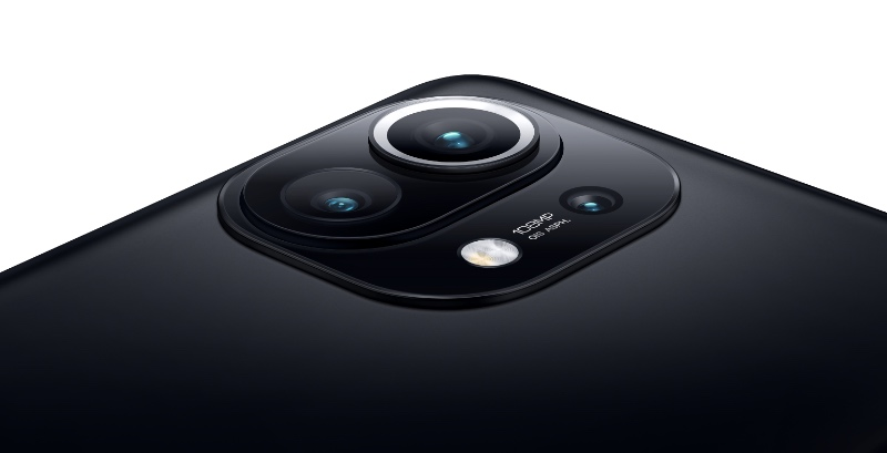 The Mi 11 has a three-camera setup. The main camera has a 108MP sensor. (Image source: Xiaomi)