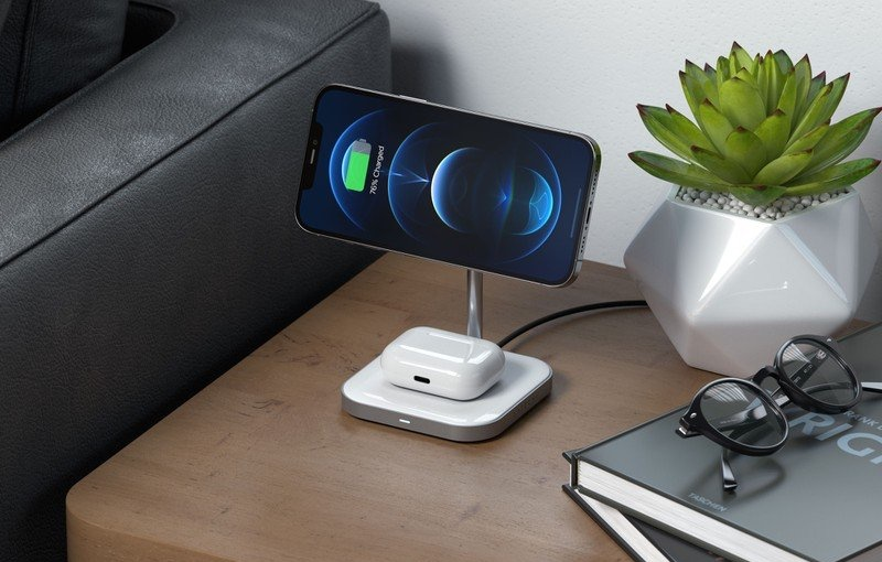 The Satechi Aluminium 2-in-1 Magnetic Wireless Charging Stand. <br>Image source: Satechi