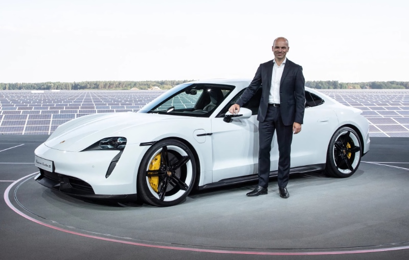 Manfred Harrer Vice President Chassis Development at the launch of the Taycan. (Image source: Porsche)