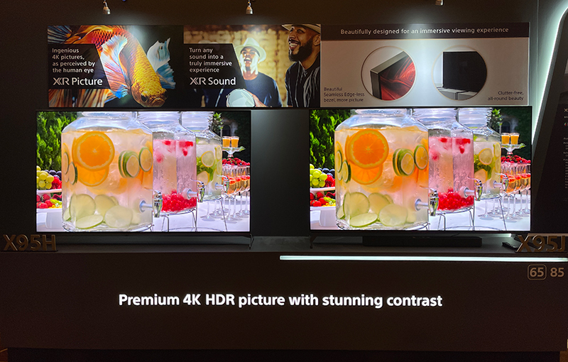 Sony X95J (right). The display on the left is its predecessor, for comparison.