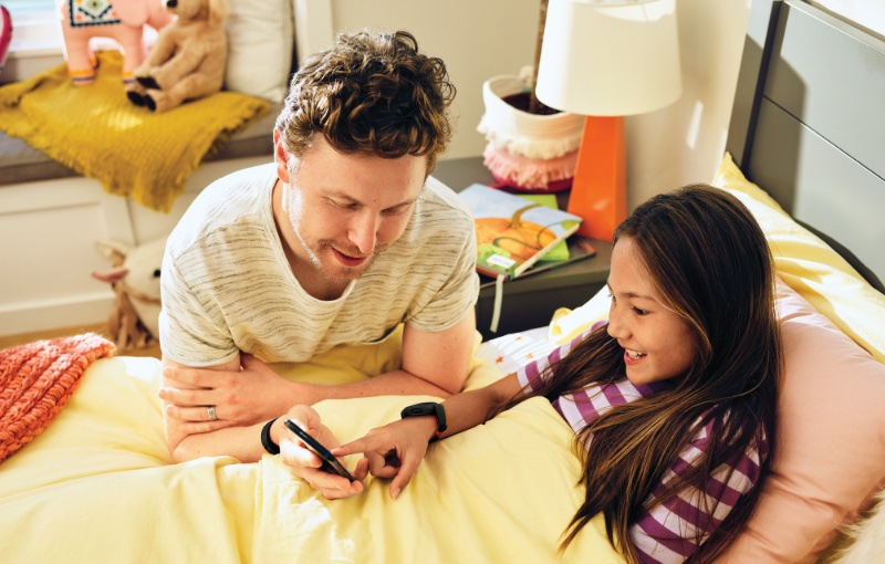 The app can be used to set goals as a family. Image courtesy of Fitbit.