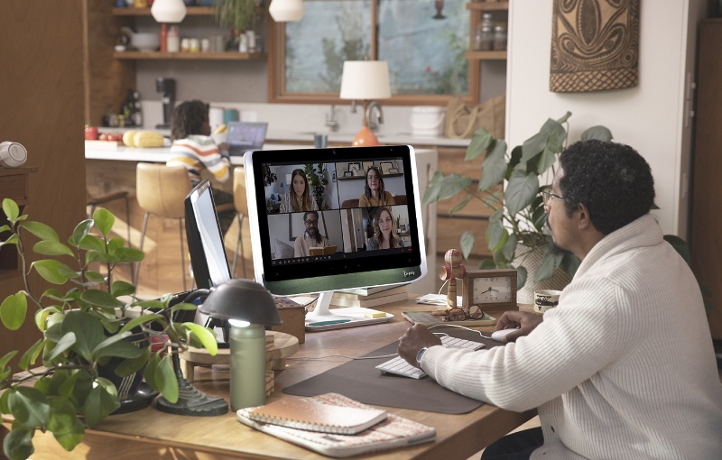 The Poly Studio P21 Personal Meeting Display is an all-in-one video conferencing tool. Image courtesy of Poly.