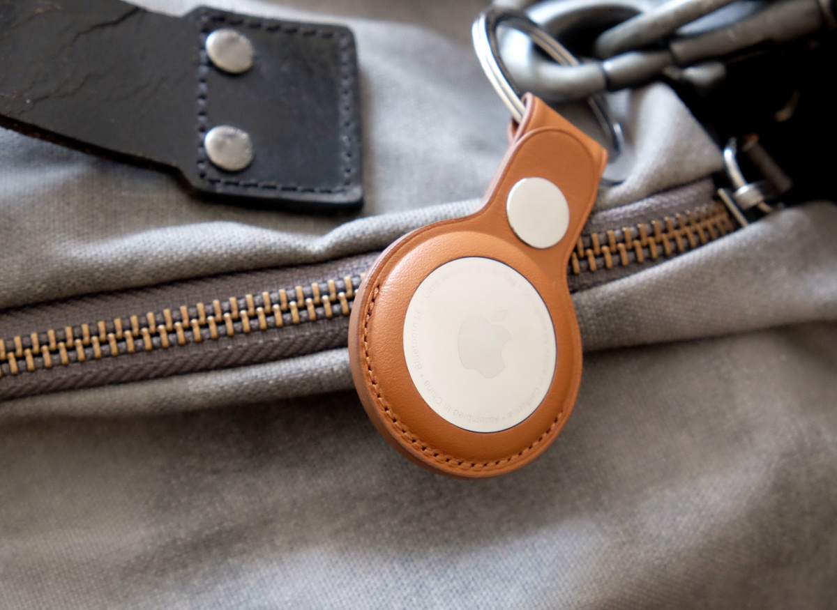 This is Apple's Leather Key Ring. It's costs S$10 more than the AirTag itself. And I'm scratching my head trying to figure out why.