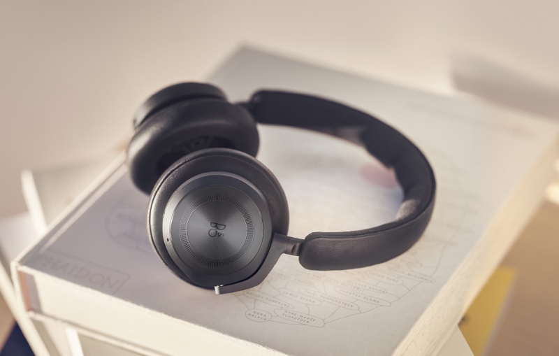 Beoplay HX in black anthracite. (Image source: B&O)