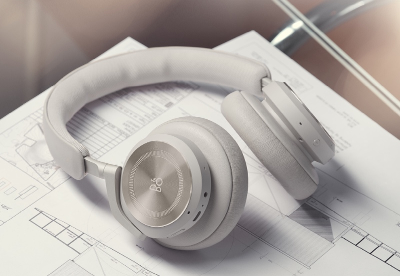 Beoplay HX in sand. (Image source: B&O)