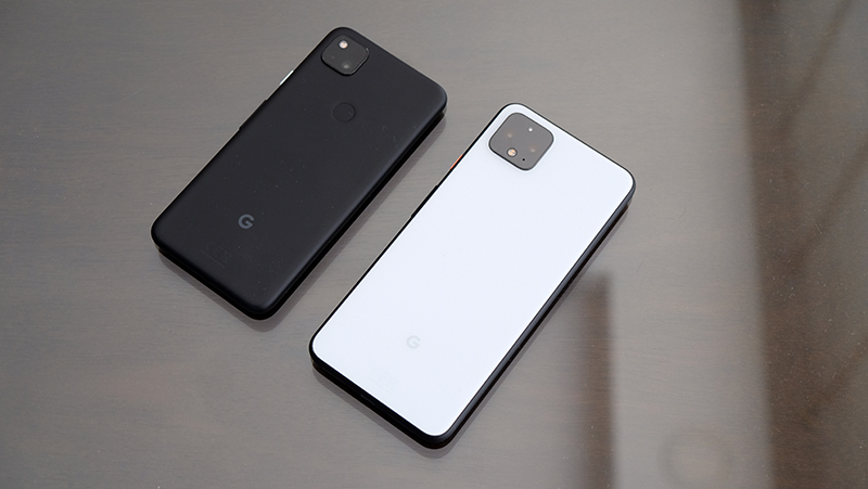 Google Pixel 4a (left), Google Pixel 4 (right).