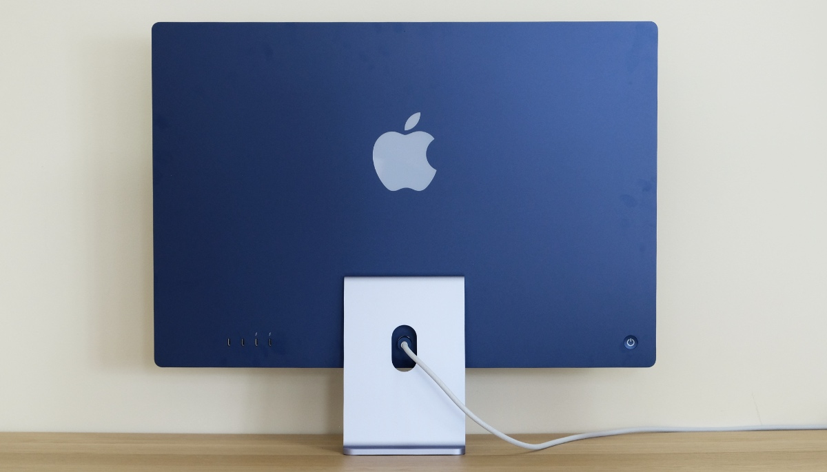 The rear of the new iMac has a deeper shade of colour. Many people have commented it looks best from the back.