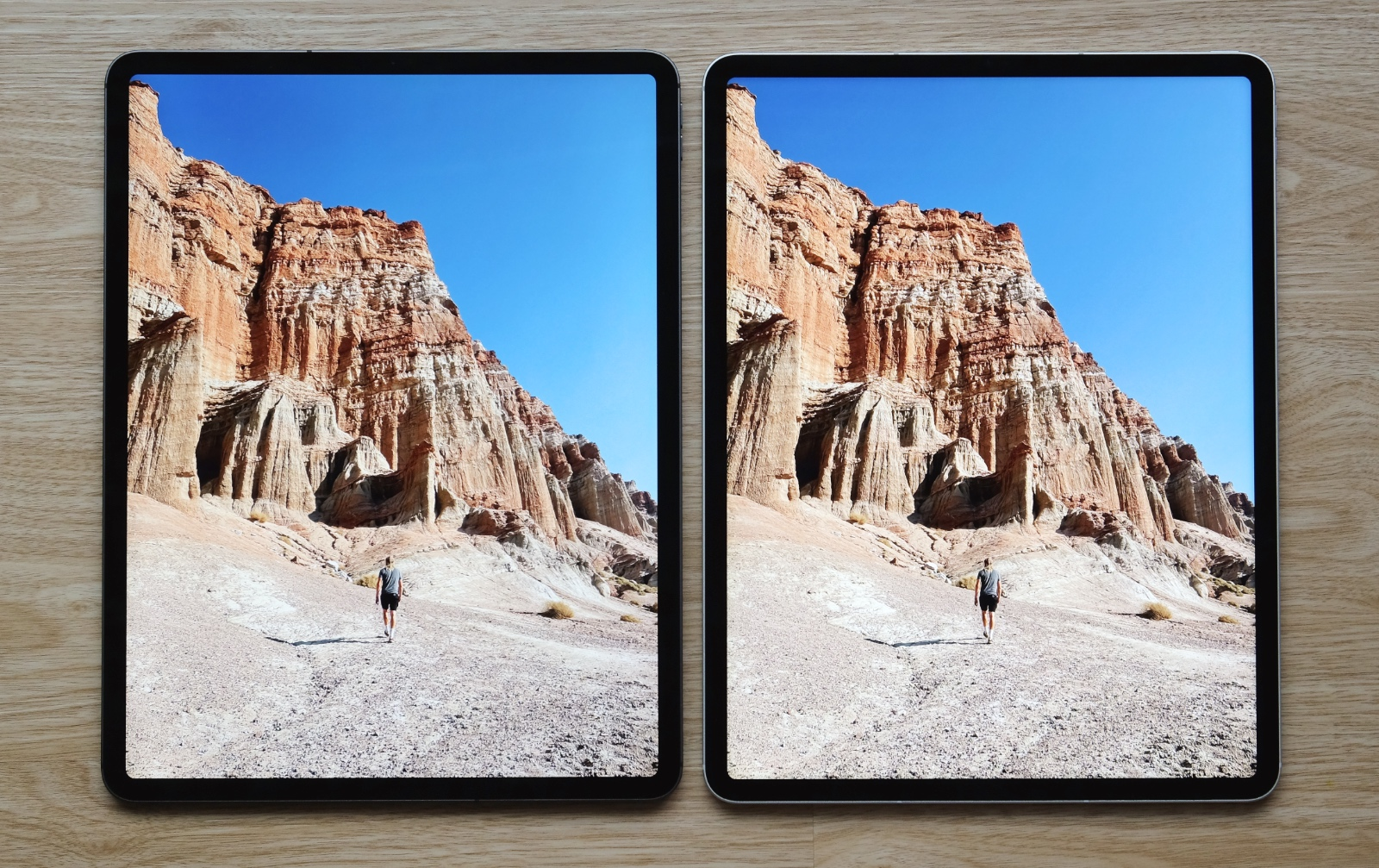 New iPad Pro on the right. In this image, pay attention to the canyon and see how it shows a greater range of colours.
