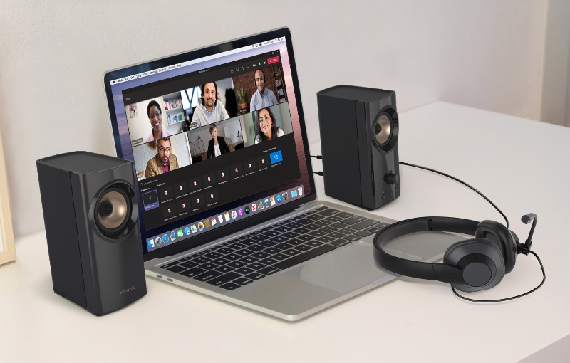 Enjoy great voice quality thanks to Creative's Clear Dialog and SmartComms kit. Image courtesy of Creative.