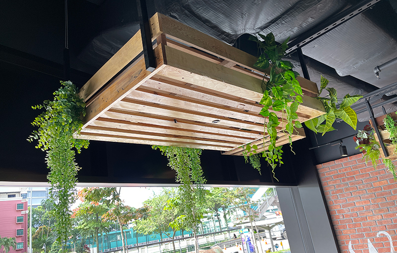 One of the two cleverly hidden transducers for diners who like open-air meals and drinks.