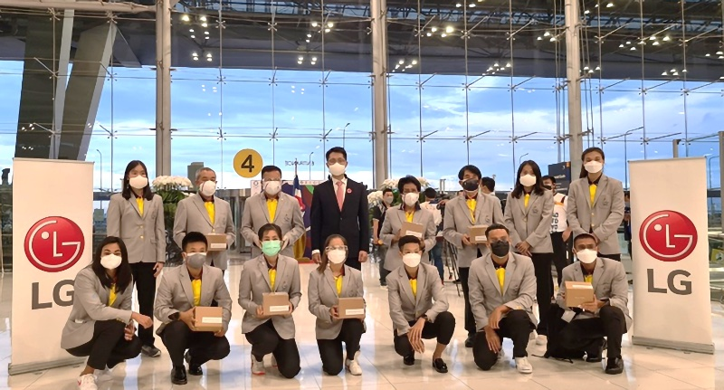 Thailand's Olympic Team wore the new masks to the Tokyo Games. Image courtesy of LG.