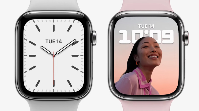Apple Watch Series 7 (right) compared to the older Series 6's display area (left).