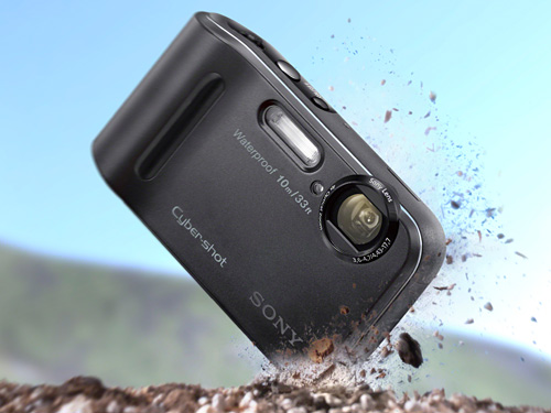 Cyber-shot TF1 – Waterproof to 10m, dust, shock and freeze proof; 16.1 effective megapixels Super HAD CCD sensor, 4x optical zoom lens, Optical SteadyShot, HD video, Beauty Effect, Advanced Flash.