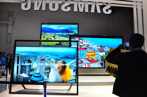 samsung unveils its first 85 inch s9 uhdtv and flagship f8000 led smart tv updated. Black Bedroom Furniture Sets. Home Design Ideas