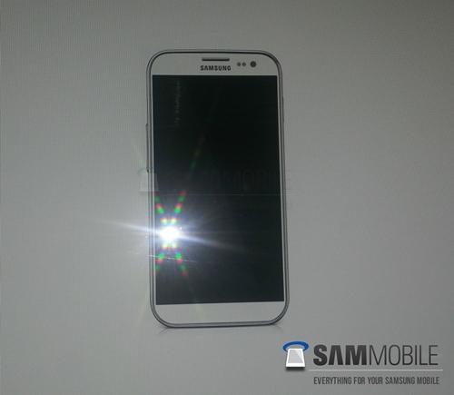 Alleged render of the next-gen Samsung GALAXY S IV device <br>Source: SAMMobile