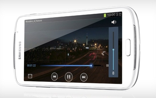 The Samsung GALAXY Player 5.8 is a media player which is only sold in Korea. Samsung is alleged to be launching a cellular version of it in Europe. <br> Image source: SamMobile