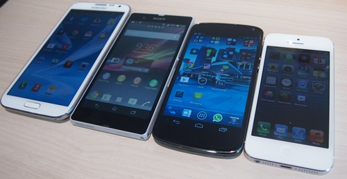 From left to right: Samsung Galaxy Note II, Sony Xperia Z, LG Nexus 4 and Apple iPhone 5. As you can see, the Xperia Z does stands out from the rest in the design aspect.