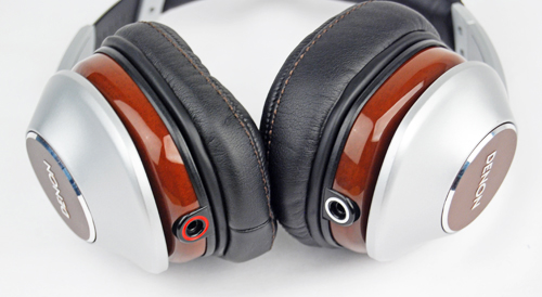 Mahogany has been used for the construction of the ear-cups. The cables are also detachable and the left and right ports are color coded.