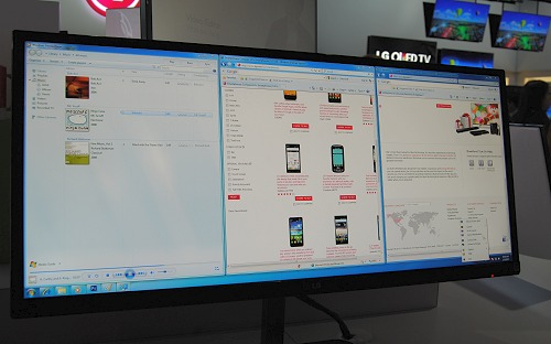 Here's the triple-screen balanced split mode setup, which is quite ideal for an ultra widescreen monitor.