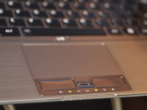 The trackpad is the one part that leaves us undecided about the Z830. We'd like to have large trackpads, but enterprises that are slow to adopt new and exciting technology will be more comfortable with a more conventional trackpad.