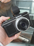 Hands-On with the Olympus E-P2